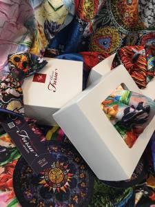 Упаковка брендированная в форме картонной коробки 11#11#5 см